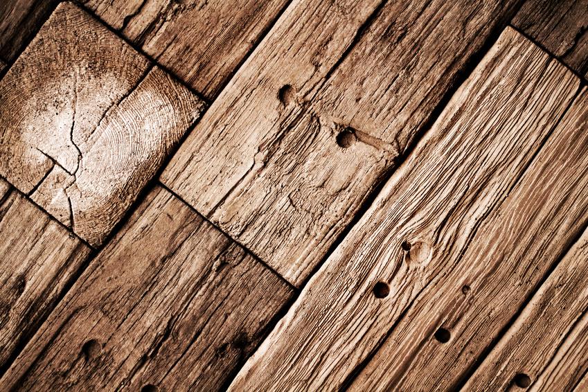 Morsches Holz ausbessern: Möglichst reparieren statt wegwerfen!