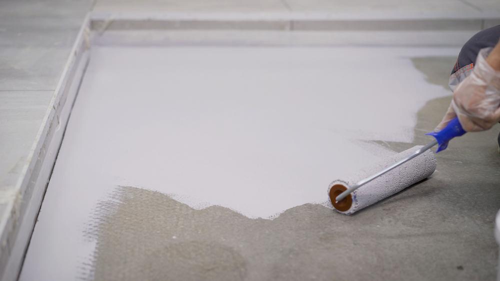 boden aus beton streichen